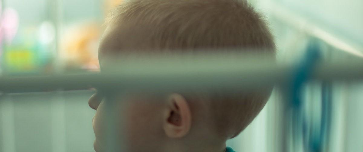"""""""Поставили умственную отсталость, а нужен был слуховой аппарат"""". Почему ментально здоровых детей ждет интернат?"""