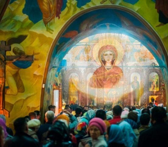 Покров Пресвятой Богородицы: история, молитвы, акафист, иконы, проповеди