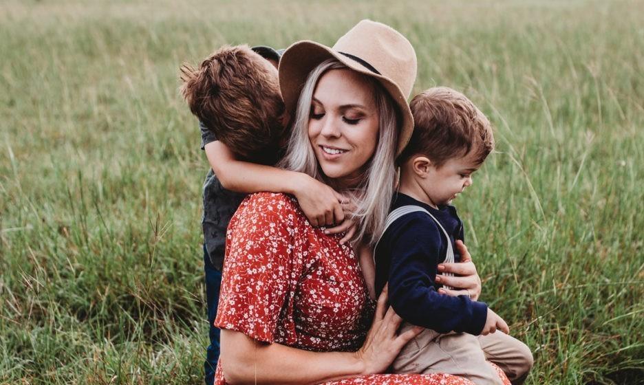 «Старшего сына я люблю больше». Как родительский фаворитизм вредит вашим детям