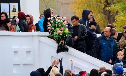Сегодня мы похоронили Лизу. Этот день я не забуду никогда