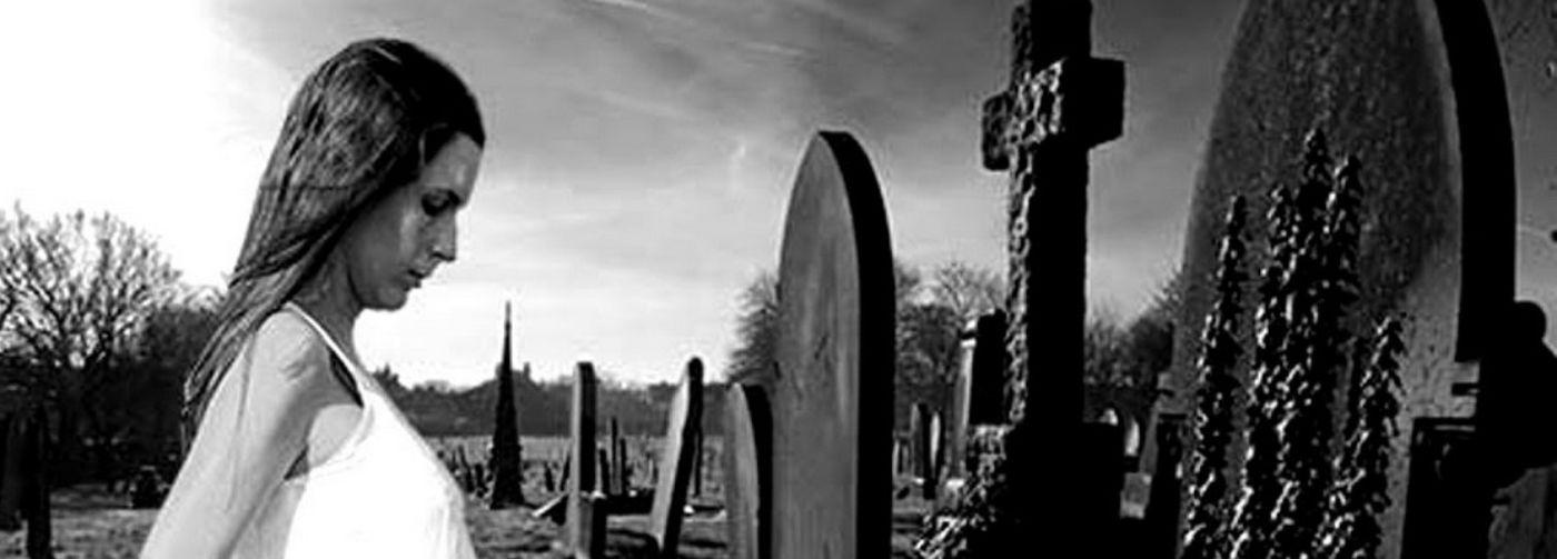 """""""Это черточка между двумя датами на могильном камне"""". Зачем жизнь, если все равно есть смерть"""