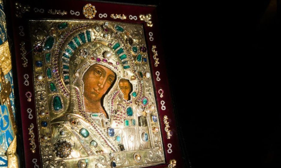 Казанская икона Божьей Матери | Правмир  Казанская Божья Матерь Казанский Собор