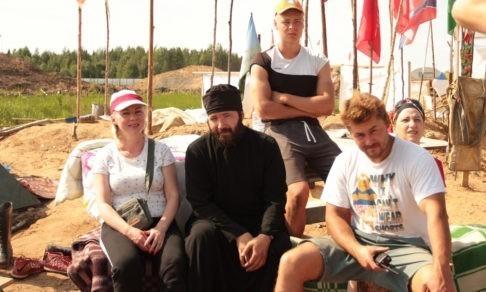Как Русский Север встал против мусорного полигона. Священник — о том, почему он защищает Шиес