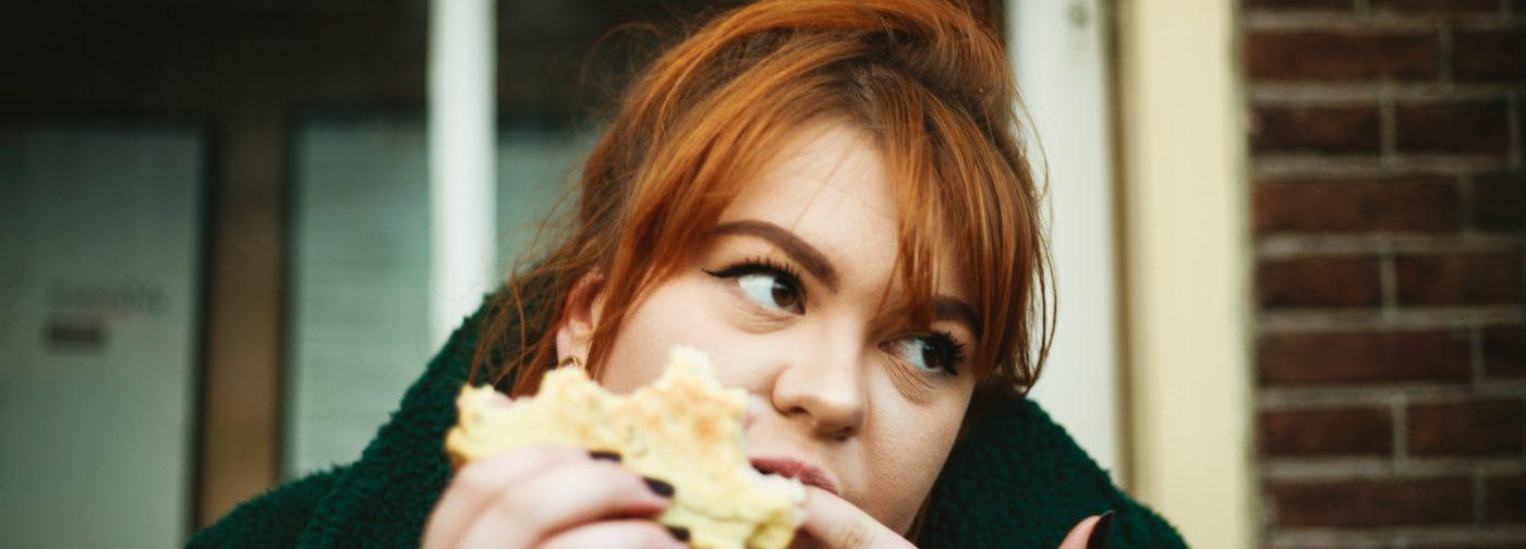 «Через еду – хоть немного радости». Почему мы не худеем