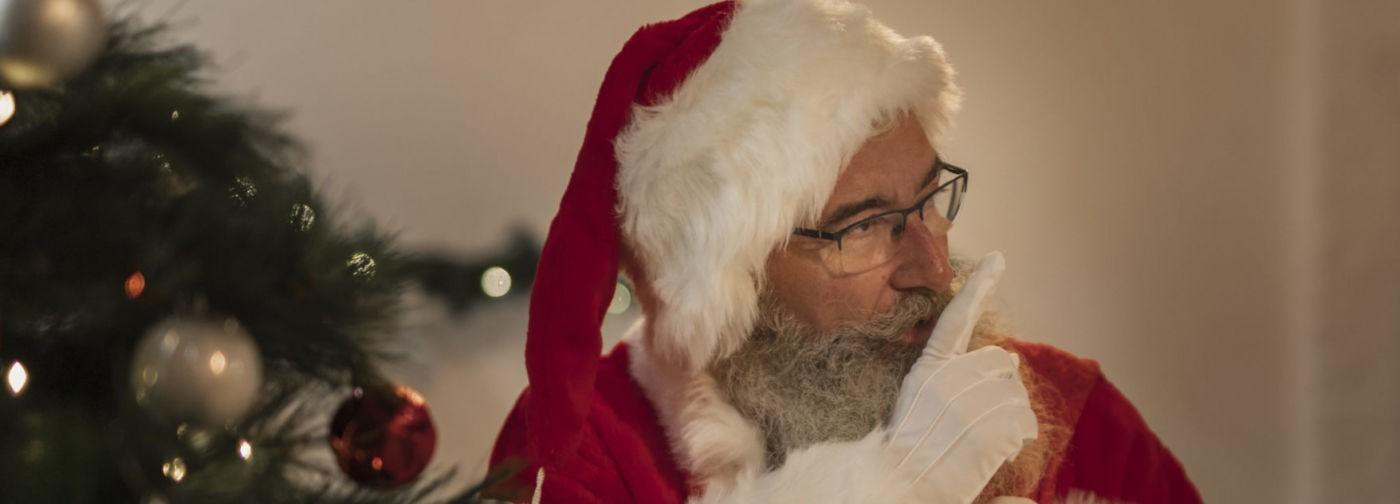 Дед Мороз к рядовому Демину. Зачем рассказывать детям про каких-то волшебников