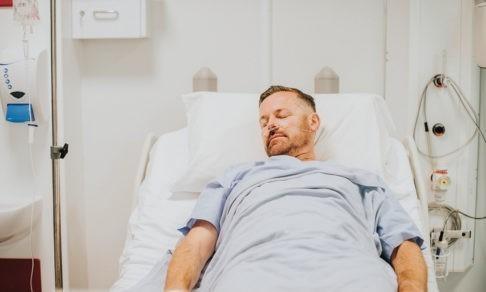 «Диагностика». Мужчина несколько месяцев чувствовал себя стариком, но врач разгадала симптомы