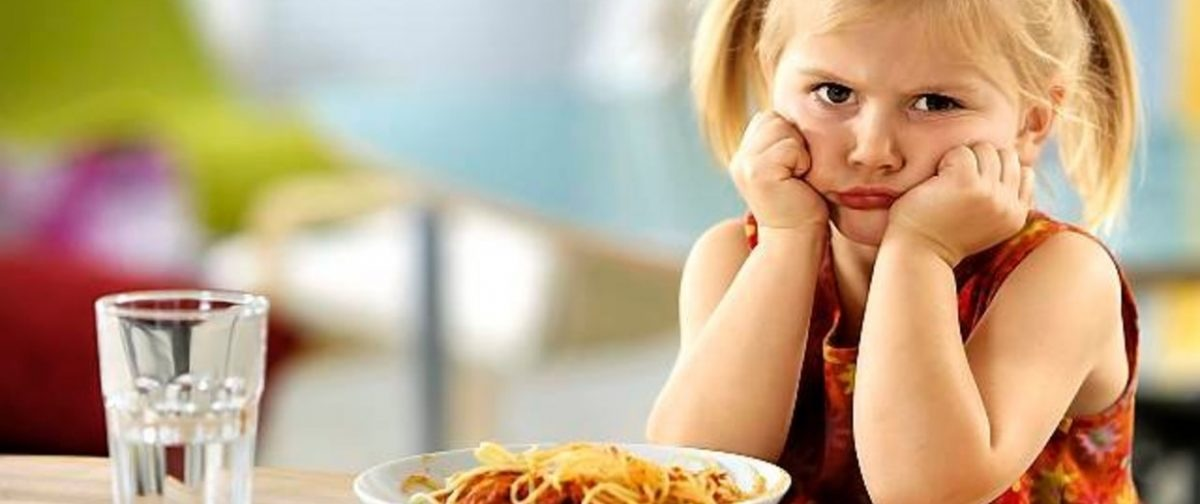 Ребенок имеет право не есть. Но вы решаете, что поставить на стол