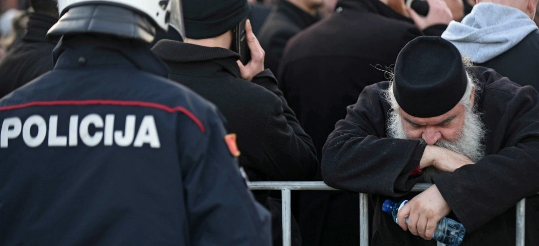 """""""Как верующий, сосед и друг"""". Почему в Черногории протестуют после принятия закона «О свободе вероисповедания"""""""