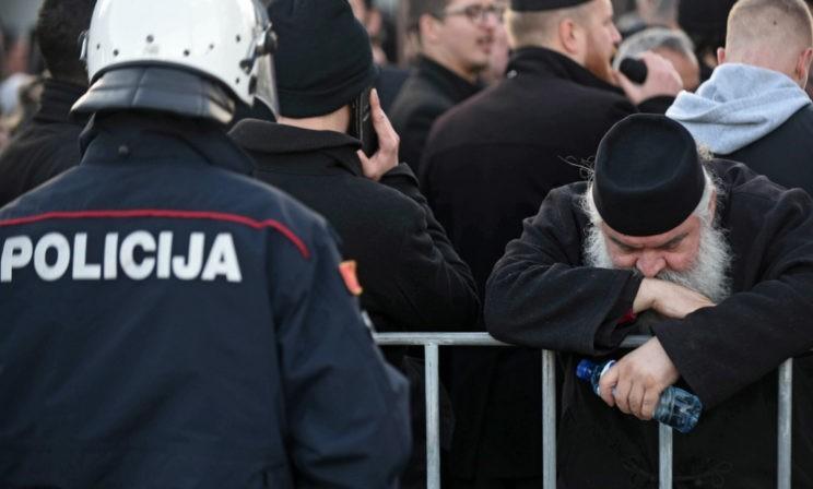 """""""Как верующий, сосед и друг"""". Почему в Черногории протестуют после принятия закона """"О свободе вероисповедания"""""""