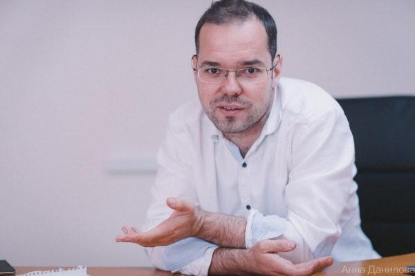 «Лечат тем, что дают»: онколог Михаил Ласков — о том, есть ли смысл жаловаться на некачественные препараты