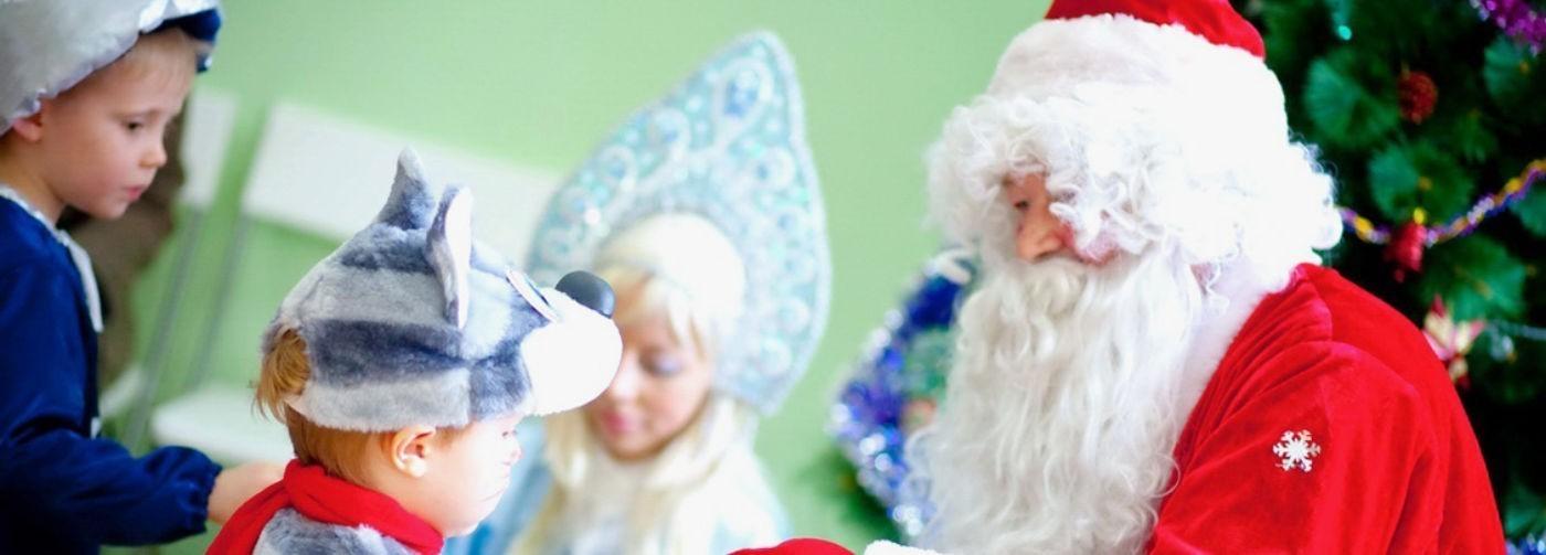 «Дарим сладкие! Нет, полезные!» Подарки в школе и саду — кому они нужны?
