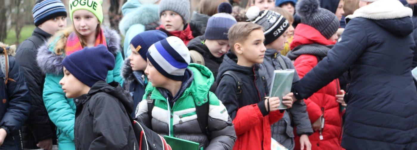 И снова эвакуация школы! Что делать родителям до внятных комментариев властей