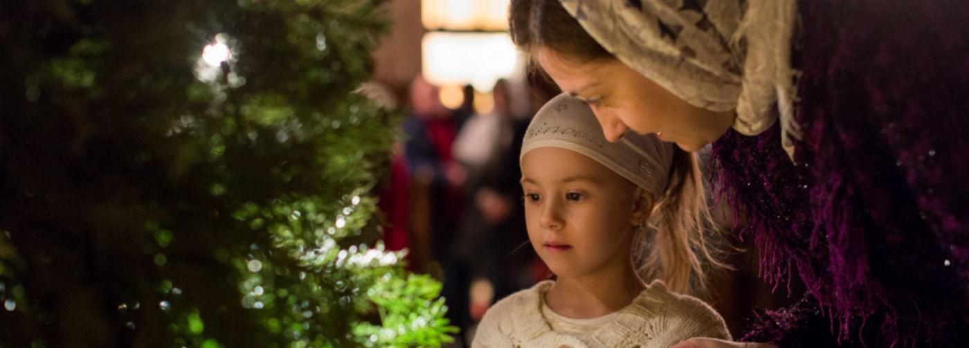 Рождество для нас – публичный праздник. Но зачем уезжать в монастырь в новогоднюю ночь