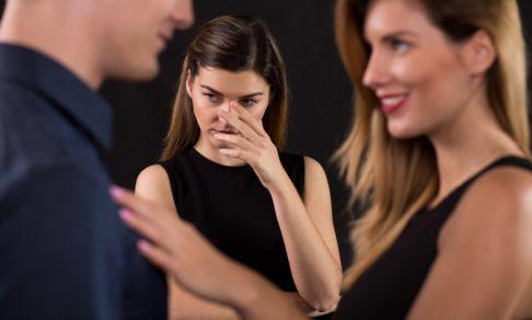 «У подруги такой замечательный муж…» Зависть, ревность и стыд: как жить со сложными чувствами