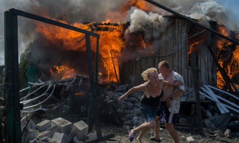«Мир и технологии меняются, но суть войны та же». Фотожурналист — о работе в Донбассе