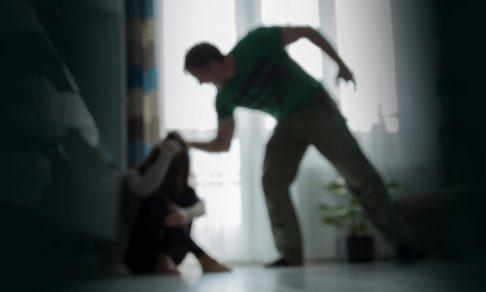 Домашнее насилие есть. Как поступают сейчас и что изменит закон - разбор реальных случаев с адвокатом