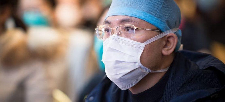 «В Китае все вышло из-под контроля». Молекулярный биолог — о том, как защититься от коронавируса