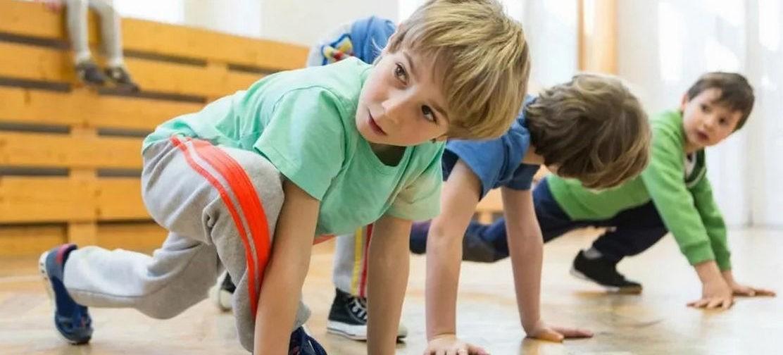 После болезни — две недели без физкультуры? Педиатр Сергей Бутрий — о занятиях спортом после ОРВИ