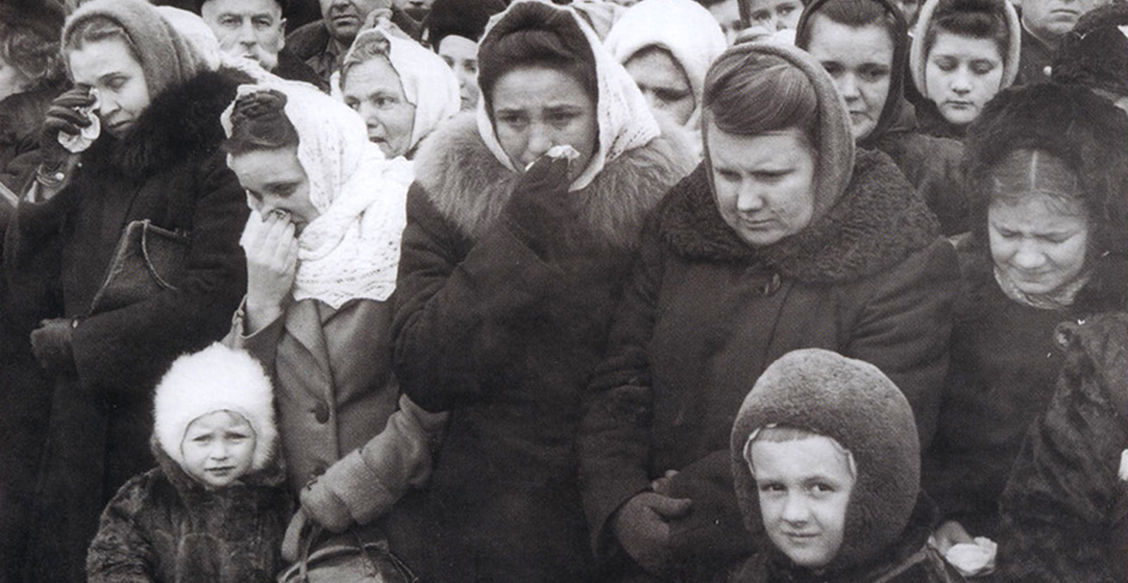 Я намазала глаза слюнями - плакать о Сталине не получалось