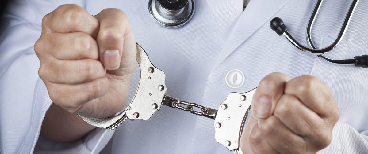 Врачи и пациенты – пленники системы. Почему возросло количество жалоб на медиков?