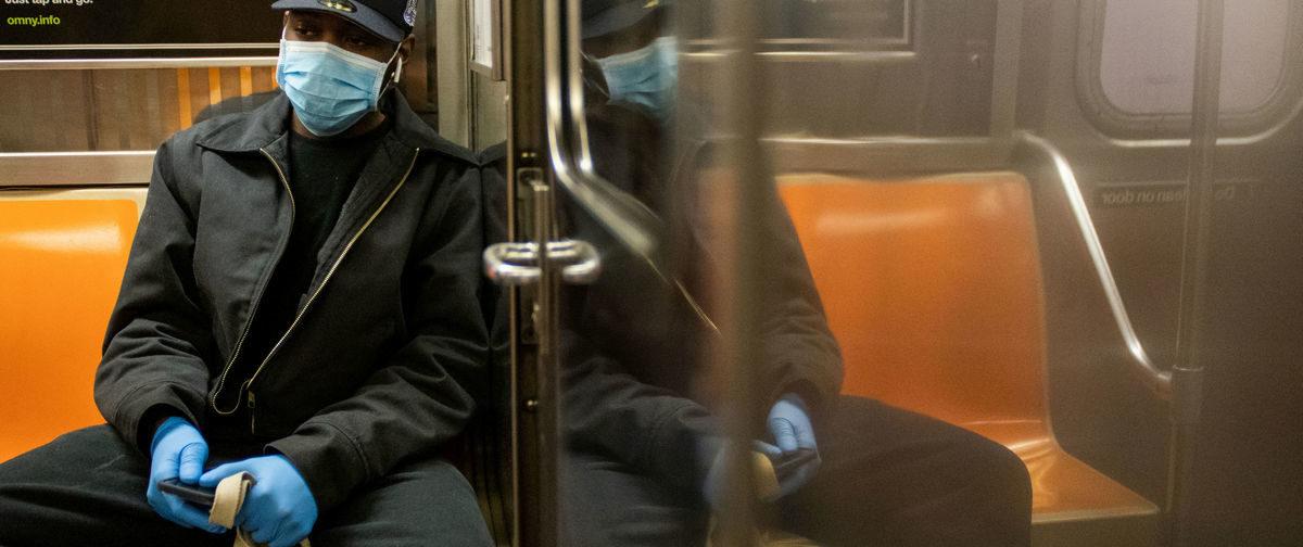 «Госпитали переполнены, а люди боятся заразиться». Что происходит в Нью-Йорке во время карантина