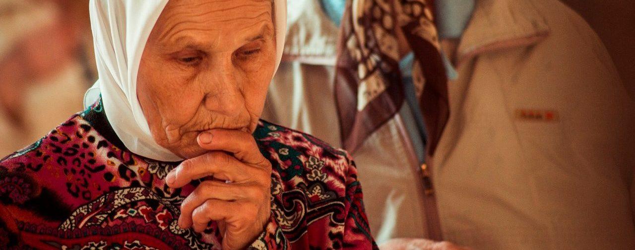 «На карантин провожали, как в армию — со слезами». Как прощались с бабушками в московском храме