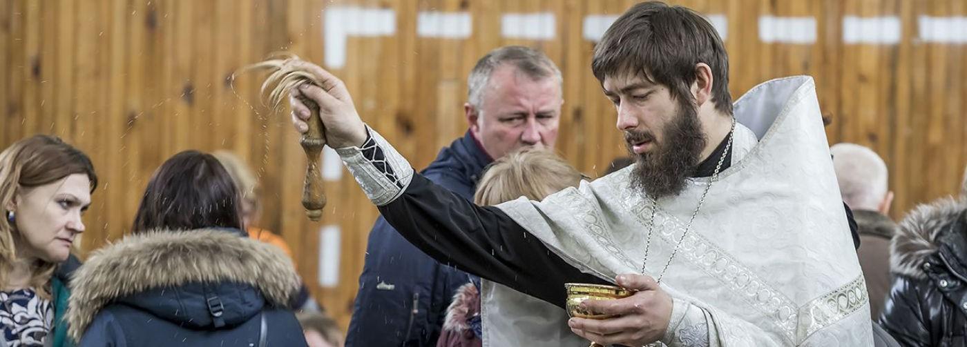 «Не молитесь, может, они живы». О чем еще просили люди священников после «Зимней вишни»
