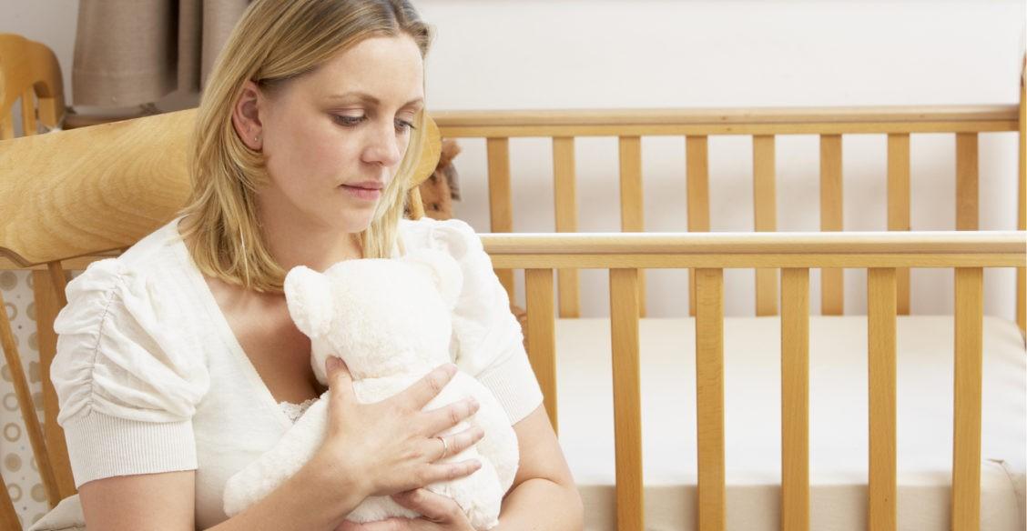 Я вцепилась в опустевшую детскую кроватку. Новорожденного сына увезли в реанимацию, и никто не знал, что с ним