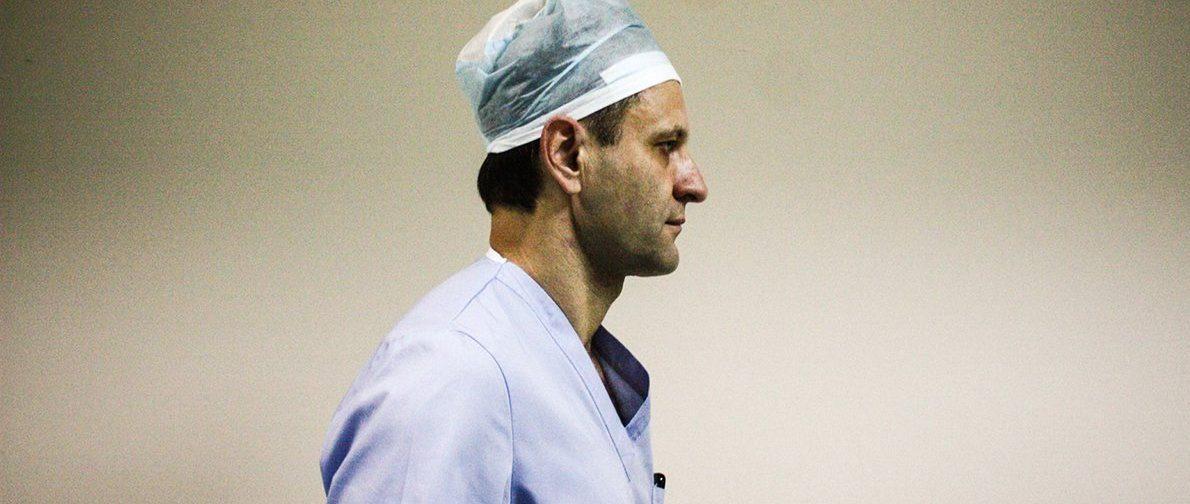 «Мы ориентируемся не на тесты, а на клиническую картину». Сергей Царенко — о лечении COVID в стационаре