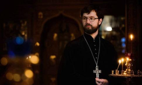 Священник Александр Сатомский: Это время рождает в каждом жажду по Богу