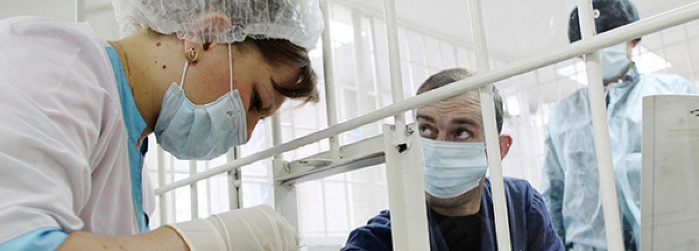 «Заражение здесь — мера дисциплинарного воздействия». Как в российских колониях борются с коронавирусом