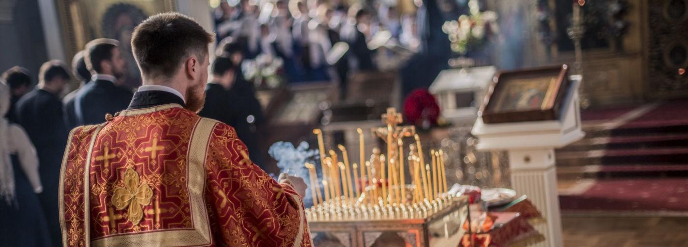 Господь воскрес, и этого не отменить карантином. Священник Андрей Мизюк — о Радонице и пасхальной молитве