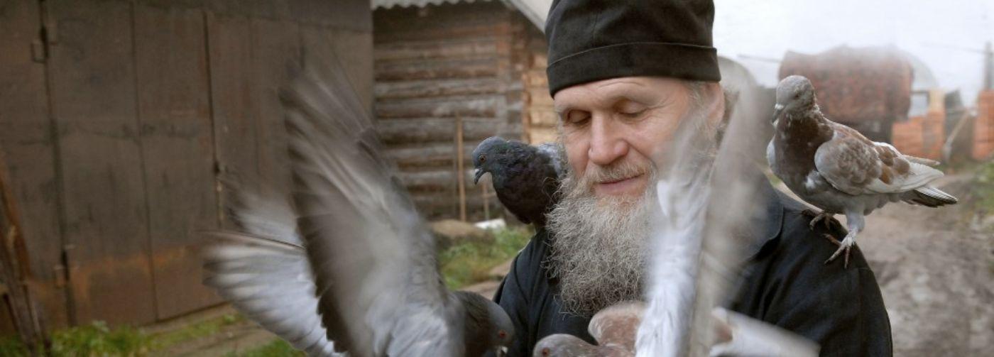 «Монахи — это святые ежики!» Как бескорыстные подвижники и чудотворцы вошли в церковную иерархию