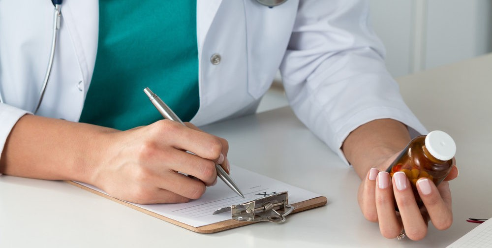 Обезболивающие и другие рецептурные препараты во время режима самоизоляции: как получить?