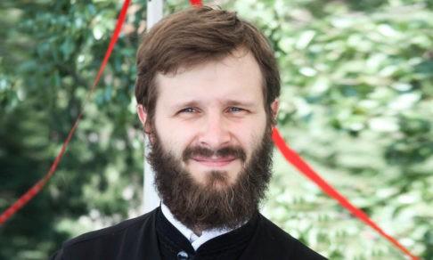 Священник Константин Лазукин — о Четверге и главных вопросах
