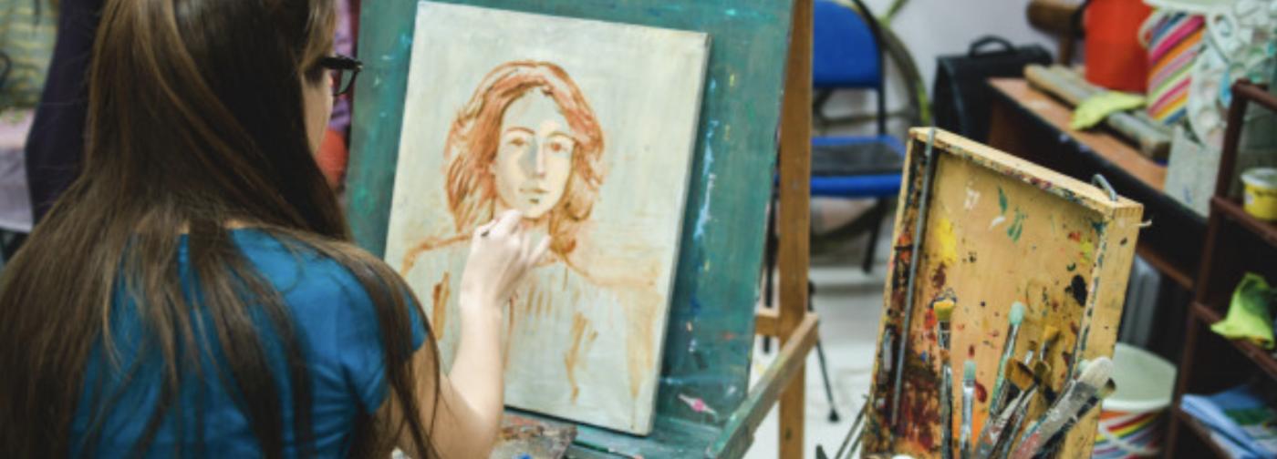 «Как можно дистанционно учить художников?» Искусствовед Анна Флорковская — о будущем онлайн-образования