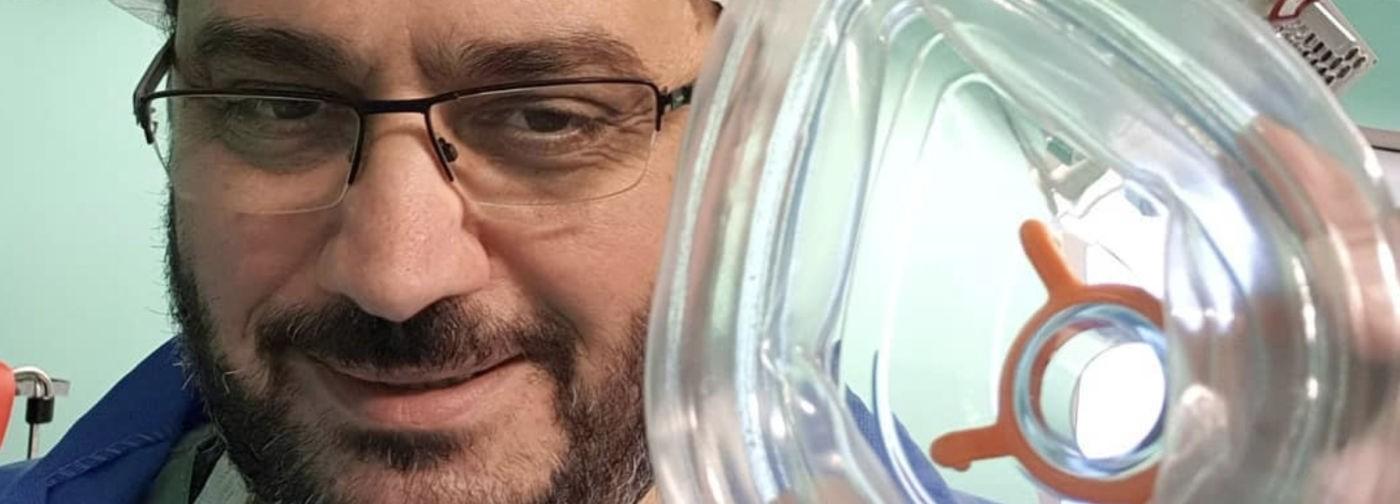 «Мы на войне». Французский врач Айк Варданян — о пандемии, средствах защиты и стрессе у медиков