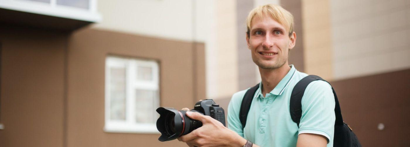 «Когда мне сказали про рассеянный склероз, я рассмеялся». Видеограф из Кемерова снял фильм о том, что жизнь продолжается