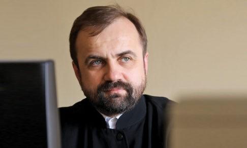 О чем думает священник в пустом храме. Протоиерей Александр Сорокин — о таинствах онлайн и карантине