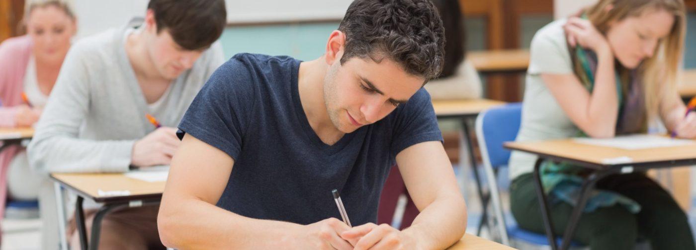 «Пишу, а кто-то водит моей рукой». Архимандрит Андрей (Конанос) — о чуде во время экзамена