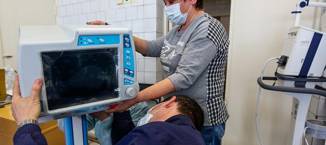 «Случись что — все выгорит в считанные минуты». Почему в Москве и Петербурге горят больницы