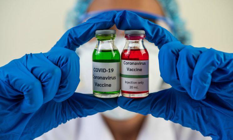 «Безопасность вакцины не отследить за несколько месяцев». Венчурный инвестор Антон Гопка — о гонке и рисках