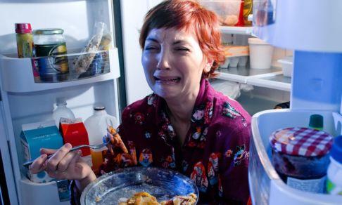 «Все ссорятся, а я постоянно ем». Проблемы изоляции, с которыми впору бежать к психиатру