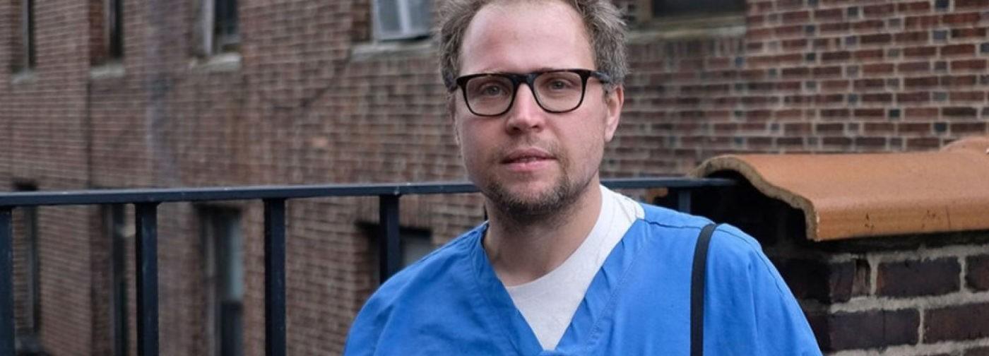 «От врача все время ждут таблеток». Реаниматолог Евгений Пинелис — о лечении, которое не помогло при COVID-19