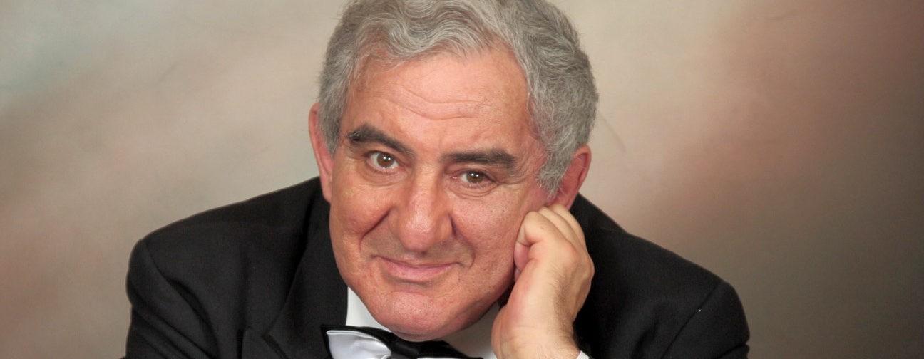 «Если вы пенсионер, покажите зеркалу язык». Михаил Казиник — о старости и смерти
