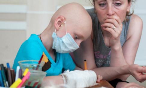 «Все деньги ушли на COVID-19». Люди, рак и бюрократический хаос