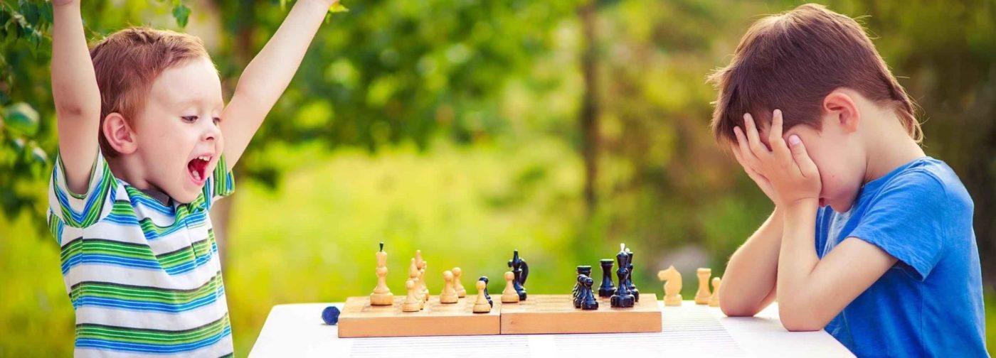 """«Рыдает из-за каждой """"съеденной"""" шашки». Что делать, если ребенок не умеет проигрывать"""