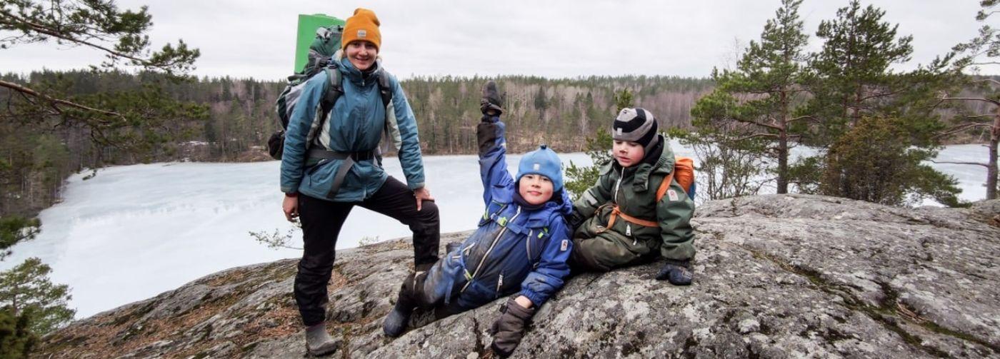 «Сын в четыре года проходит по 10 километров». Как отправиться в поход с маленькими детьми