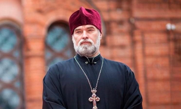 Что делать, если священник начал вести себя не так? Протоиерей Александр Новопашин — о лжестарцах и тайных заговорах