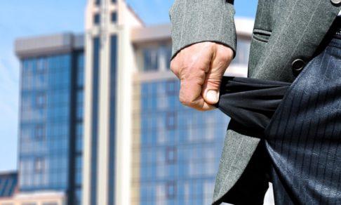 В России стало больше личных банкротств. Юрист Антон Басецкий — о том, как избавиться от долгов